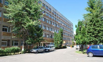 Spitalul din Alba Iulia, printre puţinele în care se realizează intervenţii de protezare totală a umărului