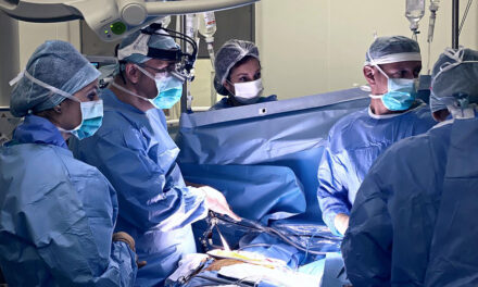 Operaţie de protezare valvulară aortică minim invazivă cu bioproteză resilia, realizată în premieră la Braşov