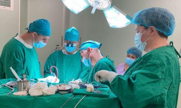 Sibiu: Intervenţie neurochirurgicală transmisă live din Secţia Clinică Neurochirurgie prin sistemul de telemedicină